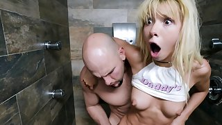 Kenzie Reeves gets her hands on a monster cock