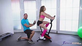 Gym workout leads the sporty babe to really soreness for cock