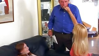 Babysitter sucking babies father's dig up